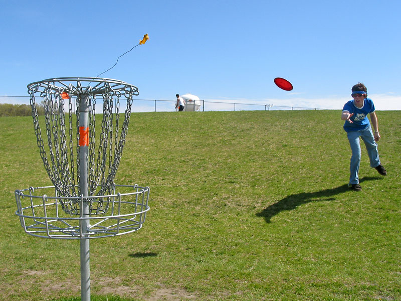 Disc_golf_throw.jpg